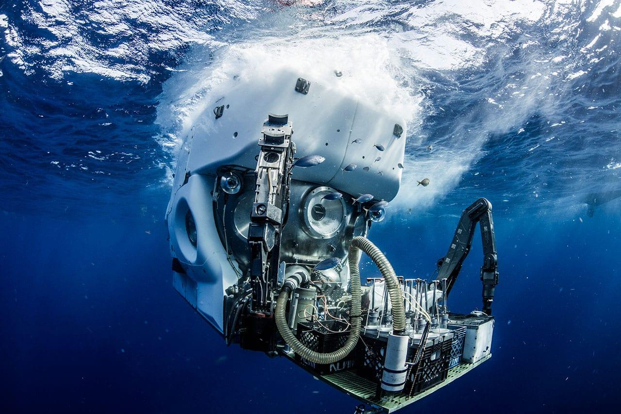 HOV Alvin - Woods Hole Oceanographic Institution