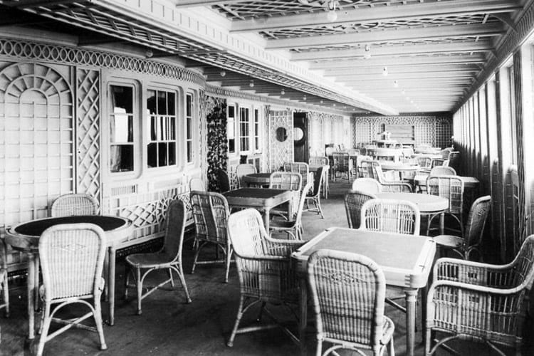 The first-class Cafe Parisienne