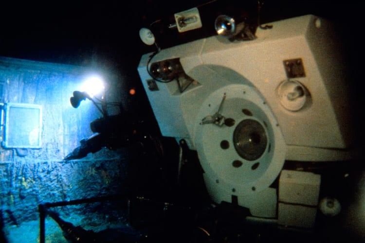 DSV Alvin on deck of RMS Titanic