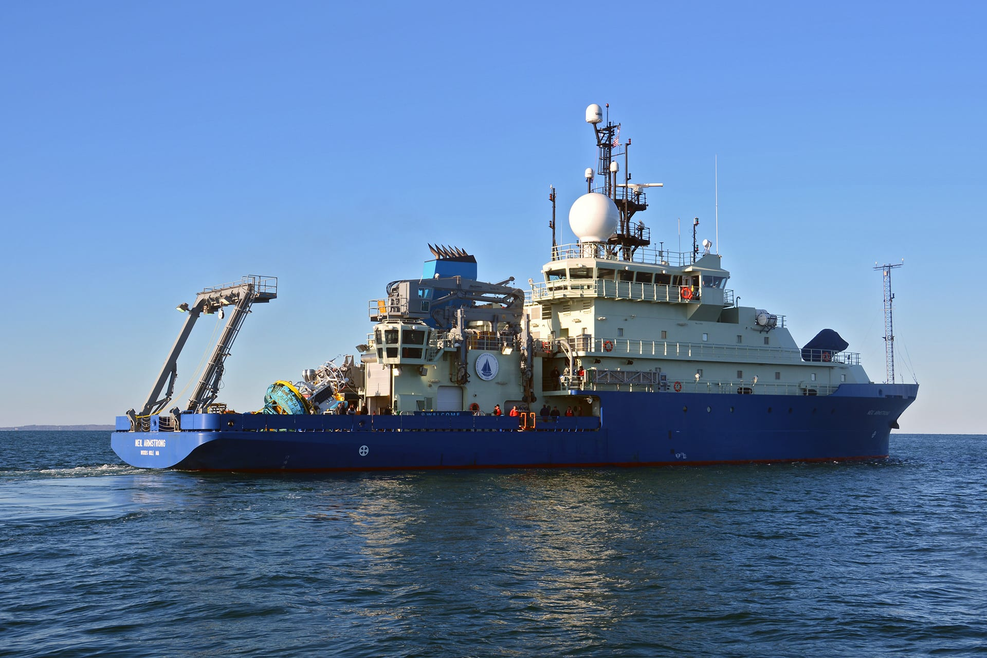 WHOI-explore-ships
