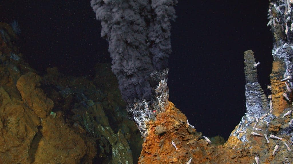hydrothermal vents in the atlantic ocean