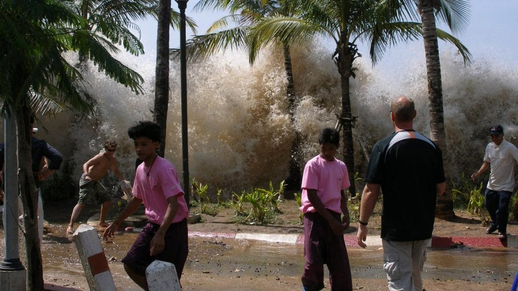 A photograph of the 2004 tsunami in Ao Nang, Krabi Province, Thailand. (Public domain)