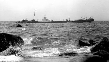 oil spill barge