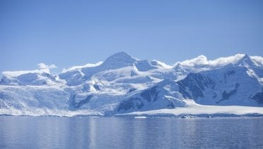 Antarctica seen from the R/V Laurence M. Gould. Photo by Dan Lowenstein, © Woods Hole Oceanographic Institution