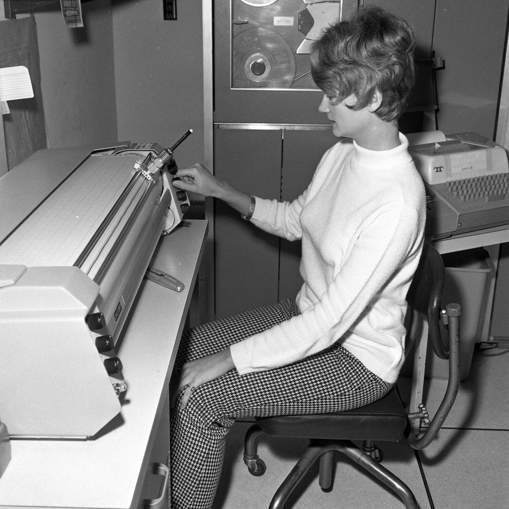 Unknown woman at the Shiverick House computer center. (Courtesy of the WHOI Archives)