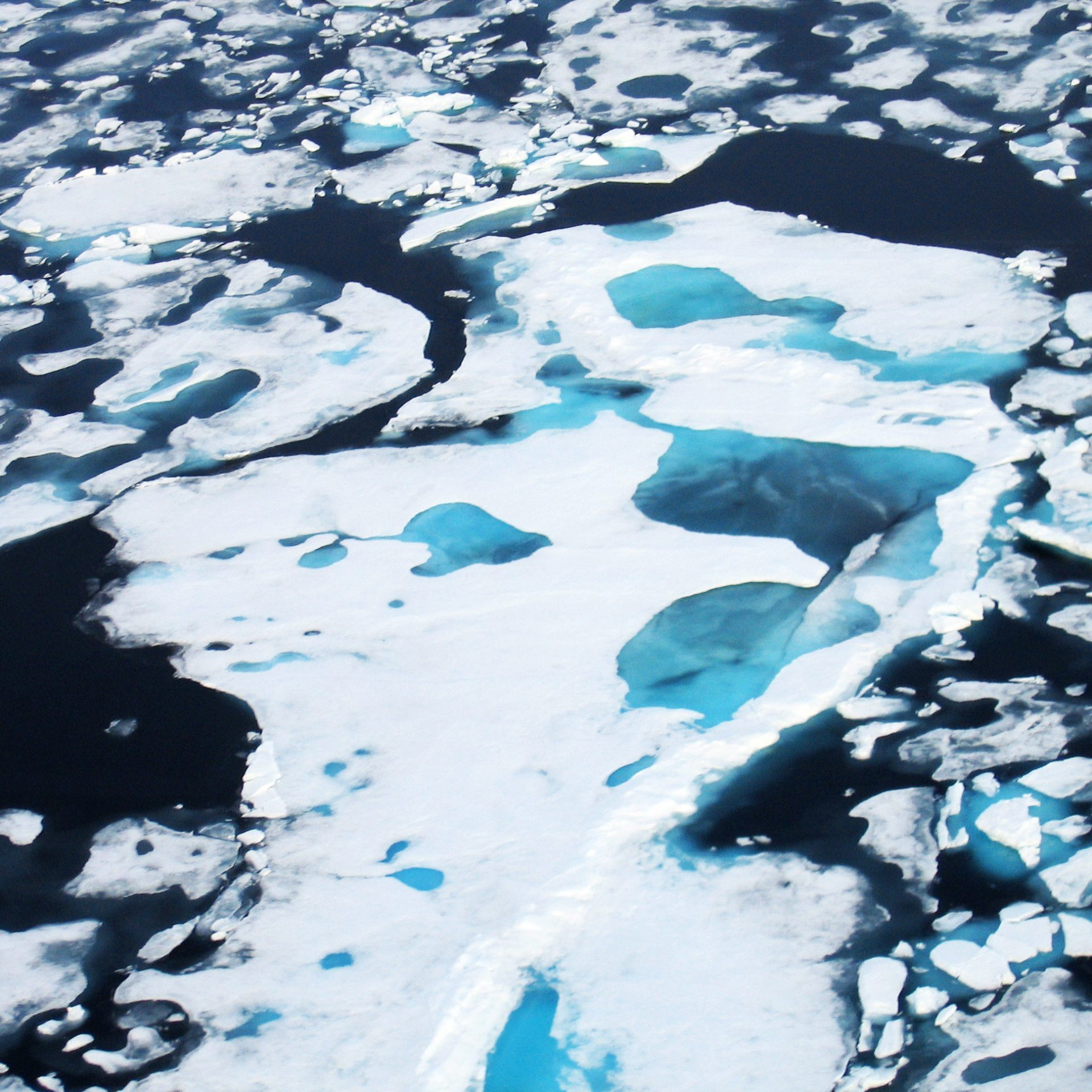 Aerial-View-Broken-Ice